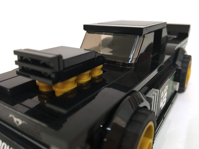 lego-Gymkana-Mustang-2