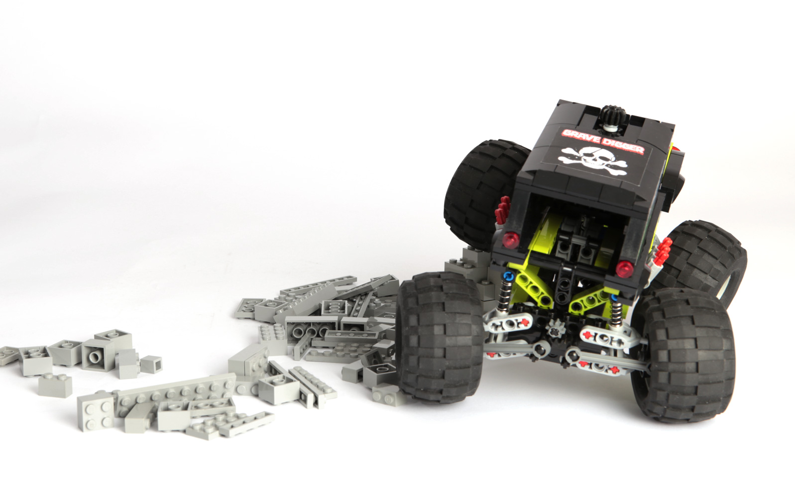 lego-monster-truck-2