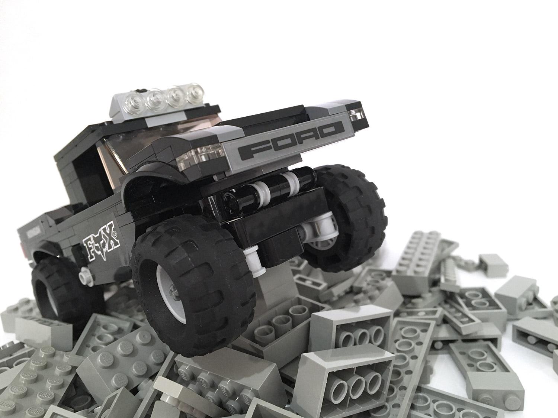 lego-trophy-truck-2